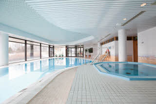 pool and jacuzzi scandic kuopio hotel finland