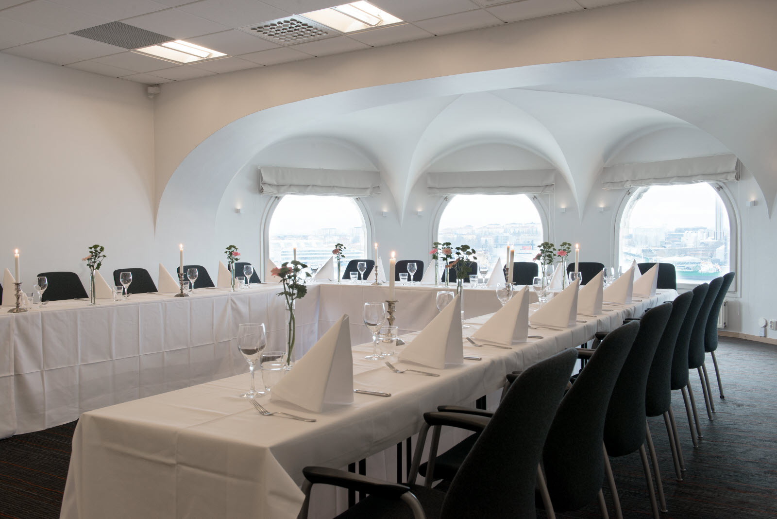 Scandic-Foresta-Conference-Room-Triton-Banquete.jpg