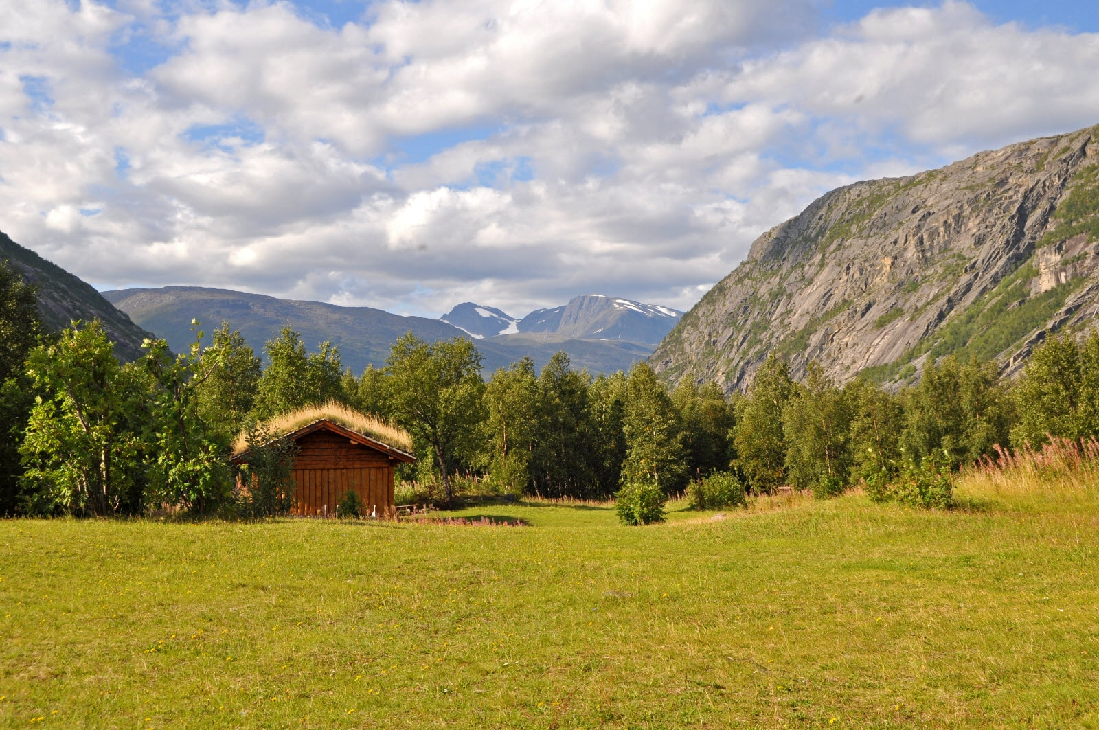 729782-valley-in-nortern-norway_by_anlu.jpg
