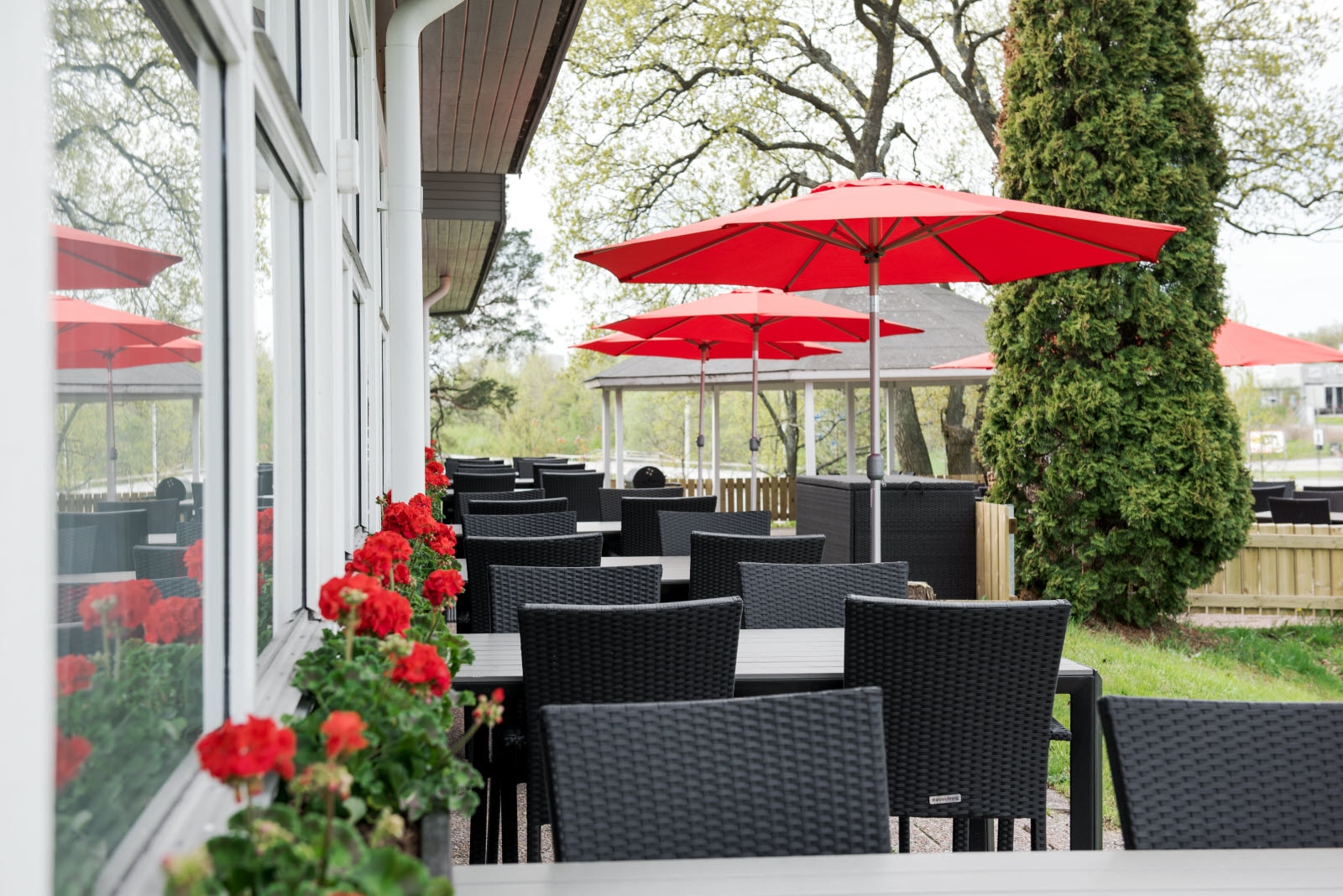 Scandic-norrkoping-nord-terrace-outdoor-restaurant.jpg