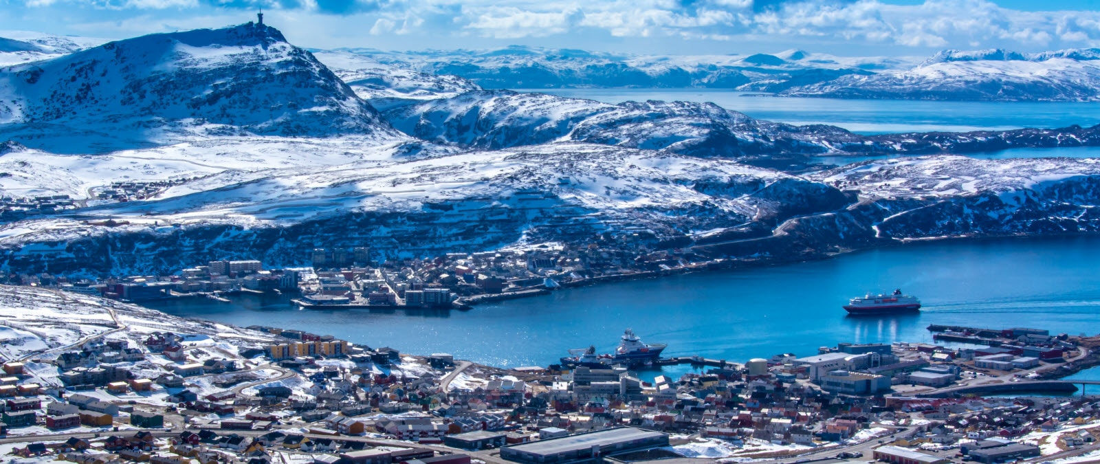 stock-photo-hammerfest-from-above-123987145_by_Ann.jpg