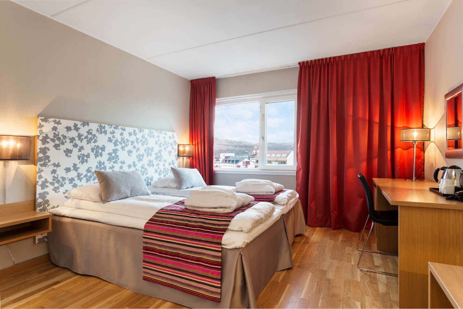 Scandic Kirkenes, Kirkenes, junior suite, bed